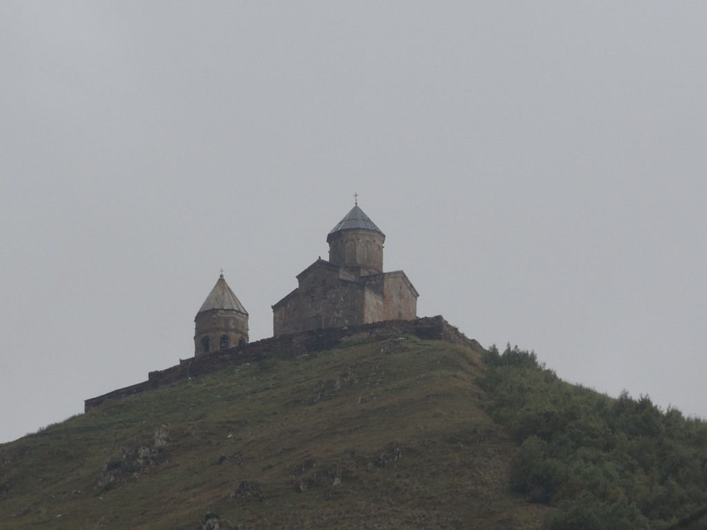 Грузия. Гергетский монастырь у подножия Казбега