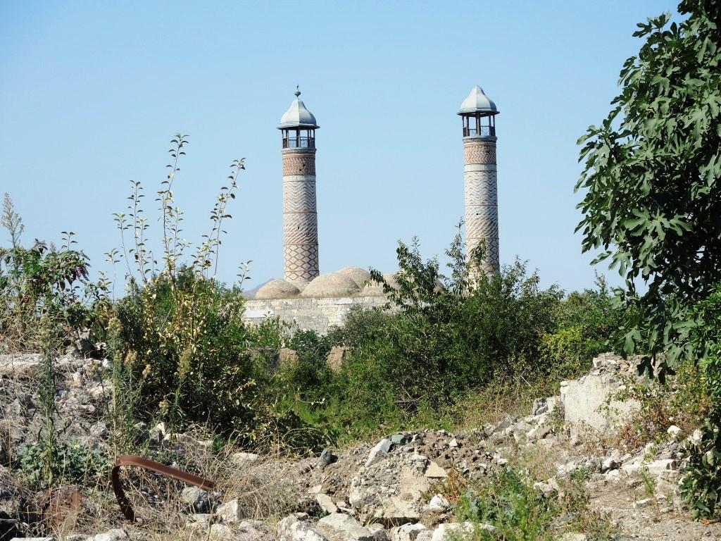 Агдам - город, где в войну были разрушены абсолютно все здания, кроме 1 мечети