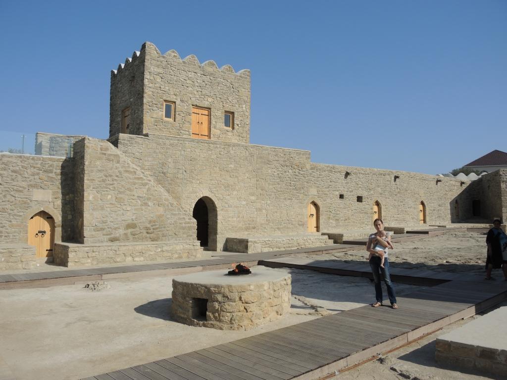 Атешгях - храм огнепоклонников в Баку