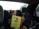 Максимка решил почитать