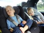 Теперь нас путешествует четверо. Два брата спят