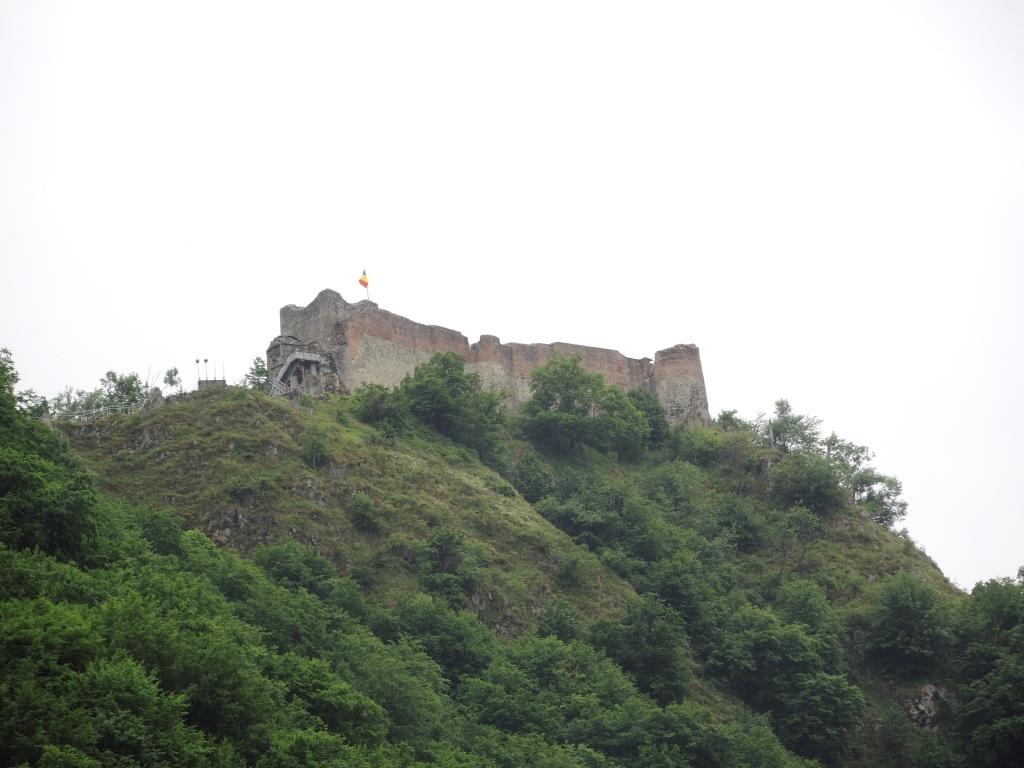 Шоссе ТрансФегераш. Настоящий замок Дракулы Поенари