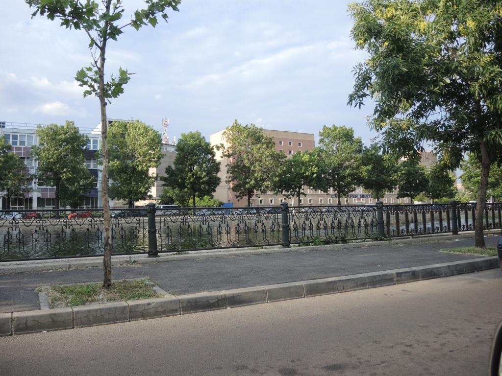 Бухарест. р. Дымбовица