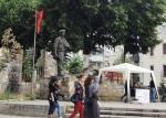 Косовская-Митровица. Южная часть. Статуя Shemsi Ahmeti. Герой Косово.