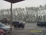В первый же день нас накрыло ТАКИМ ливнем, что даже машины и грузовики не смогли под ним ехать, и, как и мы, забились в кафе, на заправки и т.д.