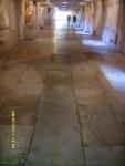 Италия. Флоренция. Собор Санта-Кроче. В подвале и в полу были, видимо, более бюджетные места