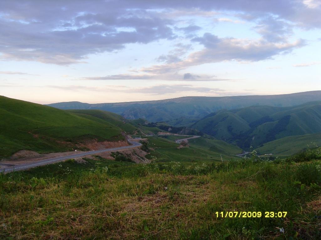 Высокогорный перевал. 60 км от Домбая. Высота 2100