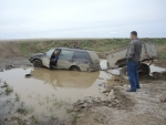 Машина утонула в луже