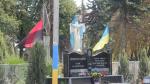 Памятник поргибшей сотне на перекретске в мелком селе